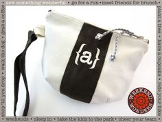 TUTORIAL Roomy Zippered Weekender Pouch with Darts: Weekend Wonders Returns with Fabric.com | Sew4Home