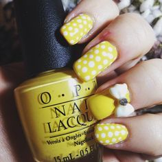 Day 6 for @gelulicious #gellichallenge #31daynailchallenge2016 is Yellow! #elbienails