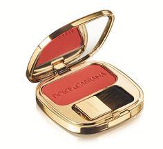 Dolce & Gabbana en beauté http://www.vogue.fr/beaute/buzz-du-jour/diaporama/ligne-de-maquillage-dolce-gabbana-make-up/14457#!ligne-de-maquillage-dolce-amp-gabbana-make-up-blush