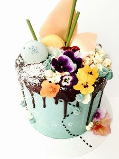#cake #flowers #awesome #macarons #popcorn