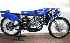 Motorcycle Racers, Racing Motorcycles, Road Racer Bike, Vintage Moped, 50cc, Ducati, Old Cars, Motorbikes, Sport