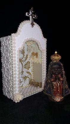 Oratorio pequeno com Nossa Senhora Aparecida - meus artesanatos.  Encomendas entrar em contato pelo @arteemfe facebook ou instagran