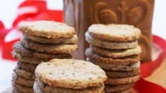 Gode frøkjeks Scones, Tin, Biscuits, Food And Drink, Cookies, Baking, Desserts, English Muffins, Tin Metal