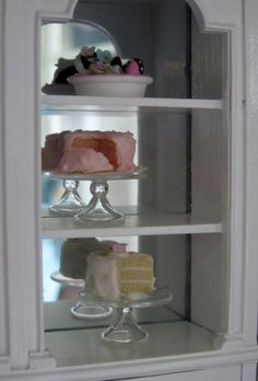 Miniature cake display for bakery