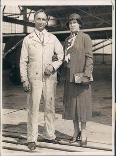 1932 Press Photo Stanley Hausner Wife NYC Floyd Bennett Airport Plane Flight