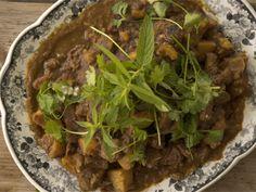 Dit proe soos huis: Episode 7   Zola se kerrie Bolognese, Kos, Curry, Pasta, Beef, Meat, Curries, Aries, Steak