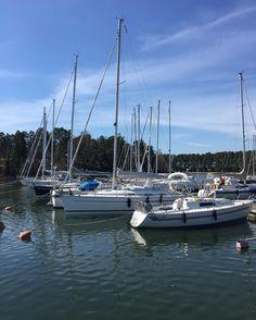 Yksi varma kesän merkki  #kesä #purjevene #hyväfiilis #oikeastiaikuinen #summer #sailboat #happymood by oikeastiaikuinen