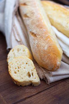 French baguette, Baguette francesi fatte in casa / how to make, homemade / recipe on http://noodloves.it/baguette-con-poolish/  ricetta // bread, vegan, pane, baking