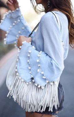 37 diseños de blusas primavera-verano 2017 http://cursodeorganizaciondelhogar.com/37-disenos-de-blusas-primavera-verano-2017/ 37 designs of spring-summer blouses 2017 #37diseñosdeblusasprimavera-verano2017 #Blusas #blusasentendencia #Moda #outfits #Outfitsdemoda #Tendencias2017 #tendenciasdemoda2017 #Tipsdemoda #tops2017