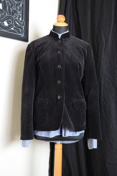 3 womens jackets 1 black corduroy, mao collar 2 beige corduroy 3 light brown wool All jackets size is XL Dimensions of the tailor's manequin are: bust 86 cm waist 66 cm hips 96 cm Corduroy, Tweed, Bomber Jacket, Leather Jacket, Trending Outfits, Jackets, Etsy, Shopping, Vintage