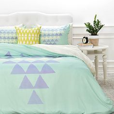 Bold and playful, the DENY Designs Allyson Johnson Purple Triangles Duvet Cover will brighten your bedroom& décor. On a solid mint green ground, the refreshing duvet cover features a pyramid of purple and white triangles. Green Duvet Covers, Bed Duvet Covers, Triangles, Country Bedroom Design, Purple Bedding, Teen Bedding, Luxury Bedding Sets, Teen Girl Bedrooms, Baby Room Decor