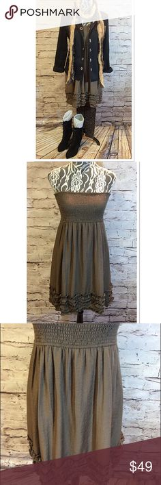 BLUE BIRD BY ANTHROPOLOGIE SMOCKED STRAPLESS DRESS Rock those summer dresses right into fall by layering. This dress is super cute with a hint of shimmer in the material. Gently used, bottom half is lined. Color is taupe Anthropologie Dresses Strapless