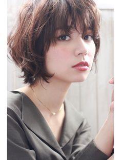 Purumi (plumy) plumy ☆ Toromi mode x bi-layer j x c . Asian Short Hair, Asian Hair, Girl Short Hair, Short Hair Cuts, Shot Hair Styles, Curly Hair Styles, Hair Inspo, Hair Inspiration, Short Shaggy Haircuts
