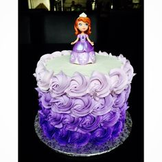 "Perfect for a little princess turning 5! This 6"" ombré cake has a little surprise on the inside too! (Shh  it's ombré!) ☺️ #sofiathefirst #disney #royalpurple #ombre #rosettes #buttercream #thecakemama #langleybc"