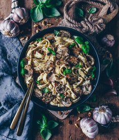 Nudeln mit cremiger Champignonsoße (vegane Béchamelsauce) – Bianca Zapatka