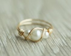 Blue sapphire ring in silver, two tone ring, leaves branch nature ring, natural gemstone jewelry, September birthstone solid gold ring Diy Rings, Silver Rings, Pearl Rings, Pearl Bracelets, Pearl Necklaces, Jewelry Bracelets, Ringe Gold, Bijoux Fil Aluminium, Blue Sapphire Rings