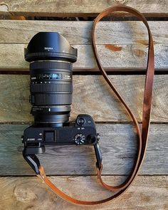 Sony Camera - Ideas That Produce Nice Photos No Matter Your Abilities! Camera Frame, Camera Shy, Sony Camera, Camera Gear, Dslr Or Mirrorless, Instax Mini Camera, Camera Neck Strap, Sony A6300, Photography Camera