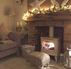Most recent Free Brick Fireplace living room Tips A brick fireplace can be a gor. living room ideas Most recent Free Brick Fireplace living room Tips A brick fireplace can be a gor. Cottage Living Rooms, My Living Room, Home And Living, Cosy Living Room Small, Small Living, Cream Living Room Warm, Cosy Living Room Decor, Country Living Room Rustic, Living Room Ideas Uk