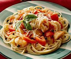 Shrimp with basil and fresh tomatoes