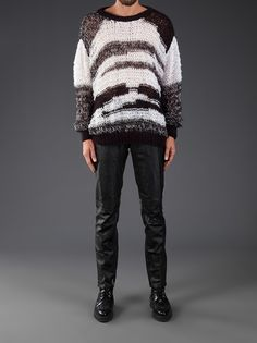 HORACE - dropped shoulder sweater --- The deconstructive feel is eye-catching - almost like the sweater is inside-out.