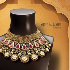 Reflect your splendorous personality with the regal touch of gold. Bridal Necklace, Bridal Jewelry, Necklace Set, Gold Jewellery Design, Designer Jewellery, Latest Jewellery, Jewellery Box, Jewellery Sketches, Fine Jewelry