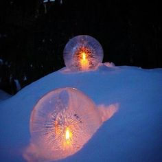 Frozen luminaries! Make your own frozen luminaries for the garden: fill balloons with water and stick in the freezer until almost completely frozen. Cut off balloon and dump out remaining water. Run hot water over ice for a few seconds to get that crystal clear look and place a tea light inside. Instant beauty!