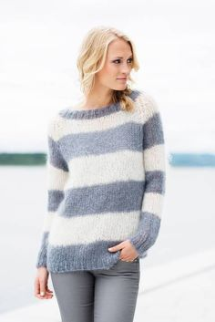 Knitwear, leather and fur fashion Sweater Knitting Patterns, Knit Patterns, Free Knitting, Knitwear Fashion, Fur Fashion, Mohair Sweater, Pulls, Knit Crochet, Sweaters For Women