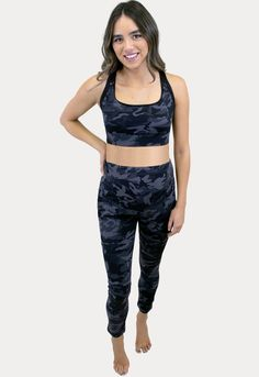 This maternity active ware set is the best maternity nursing bra and pants of 2021! #SexyMamaMaternity #ShopSexyMama Maternity Workout Clothes, Maternity Activewear, Maternity Nursing, Pregnancy Workout, Blue Toes, Camo Pants, Belly Bands, Daily Wear, Active Wear