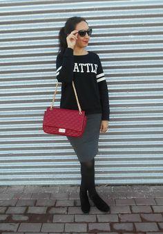 http://unachicasual.blogspot.com.es/2014/01/lady-sport.html  lady, sport, moda, fashion, look, ootd, fashionblogger, falda lápiz, pencil skirt, sudadera, sweatshirt, bolso, bag, gris, grey, rojo, red, negro, black, inspiration