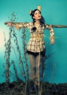Scarecrow photoshoot! we need Emily Bender!!!