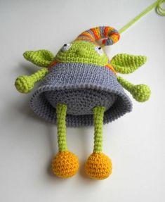 Crochet patrón de la muñeca del duende amigurumi gratis