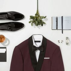 For the dapper fellas. Solo Photo, Fashion Still Life, Clothing Photography, Fashion Photography, New Years Eve Outfits, Mens Trends, Flatlay Styling, Menswear, Fashion Design