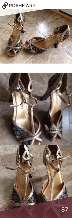 Women's Black & Gold Paisley Open Toe Heels Gently worn! Black and Gold Paisley Print peep Toe Heels-size 7.  Item comes from a smoke free/pet free home! No Boundaries Shoes Heels