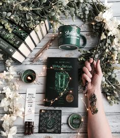 Who is your favorite Slytherin character? Today Im going to go with Draco! Who is your favorite Slytherin character? Today Im going to go Magie Harry Potter, Objet Harry Potter, Harry Potter Fandom, Harry Potter Universal, Harry Potter World, Harry Potter Hogwarts, Ravenclaw, Slytherin House, Slytherin Pride