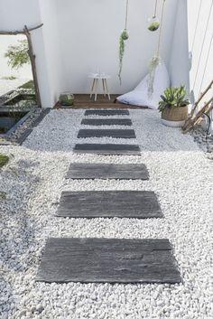 idée de bordure de jardin en pierre avec gravier   Allee   Pinterest