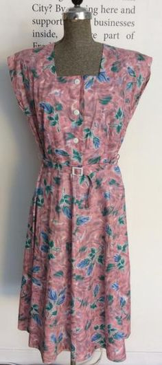 Round She Goes - Market Place - Utility 1940s day dress