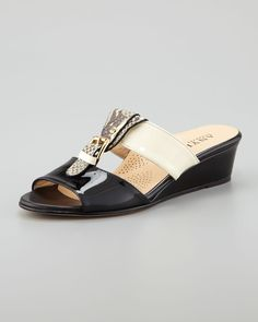 http://ncrni.com/anyi-lu-lucy-buckled-low-wedge-slide-sandal-p-14837.html