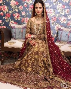 Tips For Planning The Perfect Wedding Day – Cool Bride Dress Asian Wedding Dress Pakistani, Asian Bridal Dresses, Bridal Mehndi Dresses, Bridal Dress Design, Wedding Dresses For Girls, Pakistani Dress Design, Pakistani Dresses, Pakistani Bridal Hairstyles, Pakistani Mehndi Dress