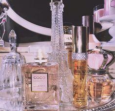 Gabriella Demartino Perfume Display Glam snapchat