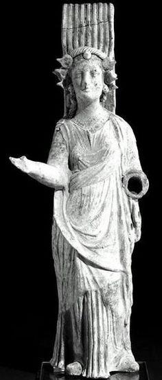 Persephone with spiraliform diadem - Canosan terracotta, circa 300–250 BC - at the Boston Museum