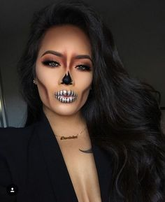 These Halloween make-up that can be made with makeup .- These Halloween make-up that can be achieved with makeup that we already have - Cute Halloween Makeup, Halloween Makeup Looks, Halloween Halloween, Sugar Skull Halloween, Halloween Decorations, Halloween Makeup Artist, Halloween College, Halloween Office, Diy Halloween Costumes For Women