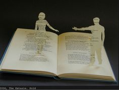 Things to make with old books and paper book pages. Book crafts, upcycled and repurposed books. Up Book, Book Pages, Book Art, Paper Book, Paper Art, Book Crafts, Paper Crafts, Portfolio Book, Book Folding