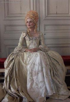 Les adieux a la reine, Benoit Jacquot's. Farewell my Queen (2012).
