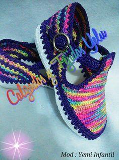 Resultado de imagen para zapatos yelu Crochet Sandals, Crochet Boots, Crochet Slippers, Diy Crochet Patterns, Crochet Designs, Shoes Sandals, Dress Shoes, Womens Summer Shoes, Kinds Of Shoes