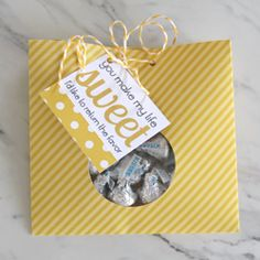 Find printable templates for this cookie bag plus a brownie box, truffle box, and cupcake box you can make from cardstock or scrapbook paper