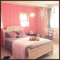 LISAさんの、珪藻土の壁,ピンクの壁,グレー,ピンク,ベッド,フランフラン,Franc Franc,ベッド周り,のお部屋写真