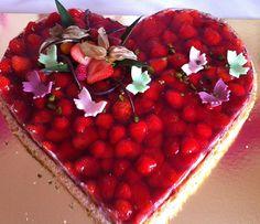 Erdbeerkuchen auf Rührteigboden, ein tolles Rezept mit Bild aus der Kategorie Kuchen. 51 Bewertungen: Ø 4,5. Tags: Backen, Frühling, Kuchen