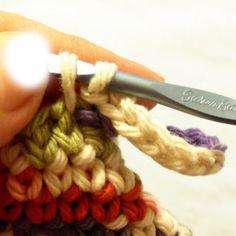 Crochet turn in on itself or magic potholder