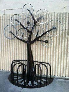 30 Creative Ways To Upcycle Old Bicycle Parts - HomelySmart-- HomelySmart Old Bicycle, Bicycle Rack, Bicycle Shop, Pimp Your Bike, Bike Parking, Bike Storage, Cycle Storage, Cycling Art, Cycling Quotes