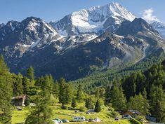 Wilde Campingplätze in der Schweiz: Vom Engadin bis ins Wallis California Camping, Places In Switzerland, Wild Campen, Swiss Travel, Future Travel, Campsite, Wilde, Mount Everest, Road Trip